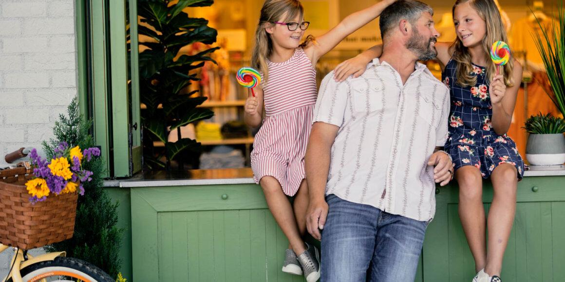 a family enjoying a centerra retail store